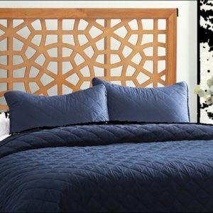 Brand New Wayfair Basics Navy Blue King Quilt Set